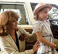 angelina_jolie_childhood_pictures+{6}