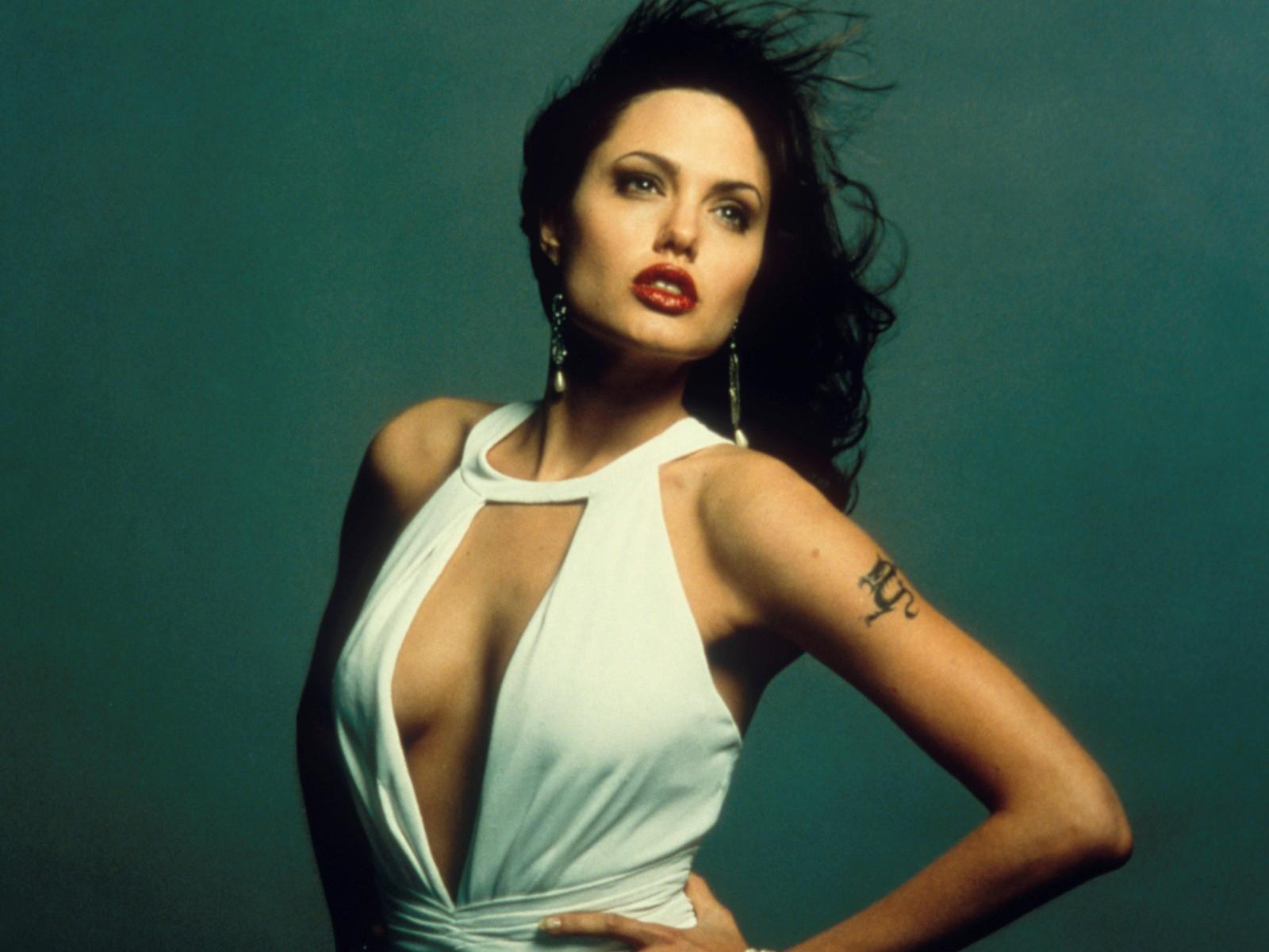 Angelina Jolie as Gia Cirangi